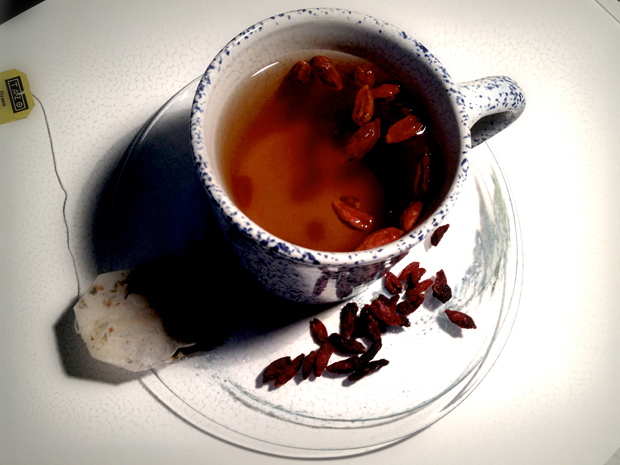 Goji Berries in Green Tea